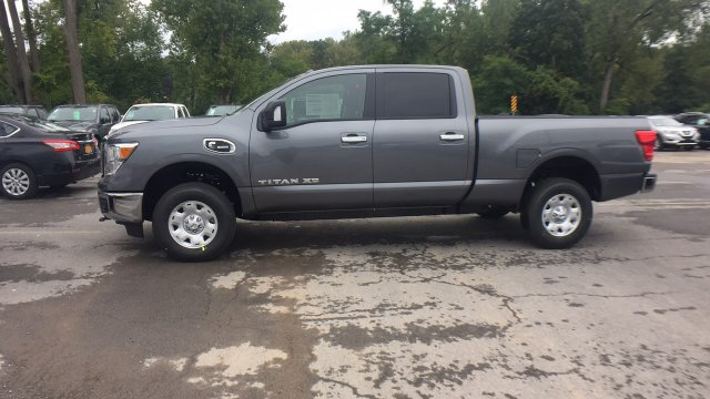 2017 Titan Crew Cab, Pickup #6170030 - photo 6