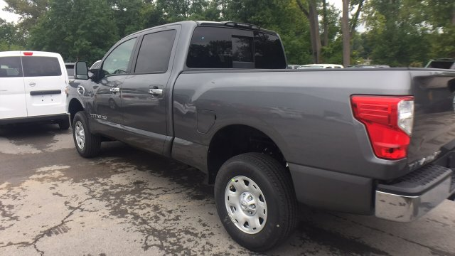 2017 Titan Crew Cab, Pickup #6170030 - photo 7