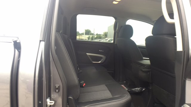 2017 Titan Crew Cab, Pickup #6170030 - photo 28