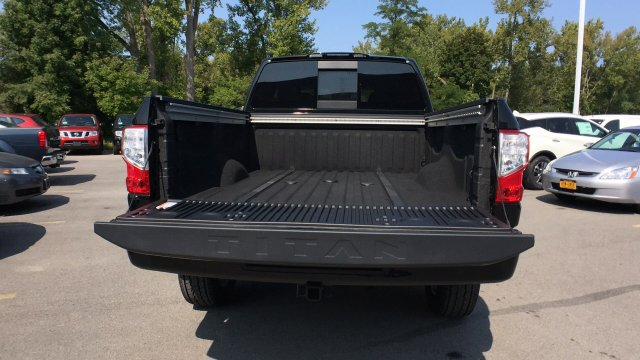 2017 Titan Crew Cab, Pickup #6170031 - photo 38