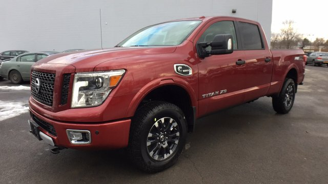 2017 Titan Crew Cab, Pickup #6170044 - photo 8