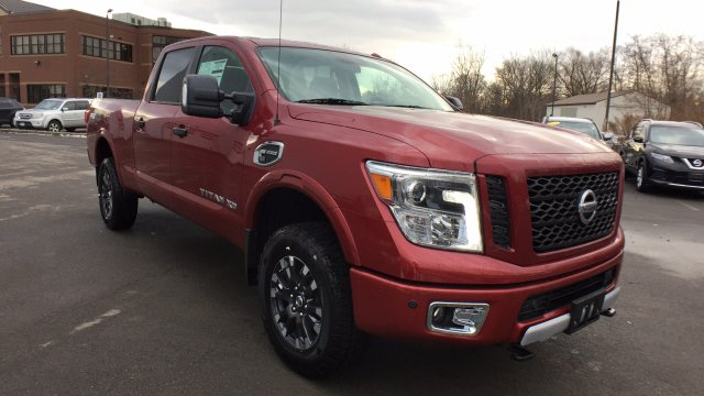 2017 Titan Crew Cab, Pickup #6170044 - photo 3