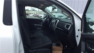 2017 Titan Regular Cab, Pickup #6170050 - photo 16