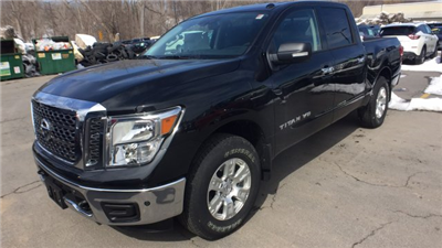 2018 Titan Crew Cab, Pickup #6180000 - photo 5
