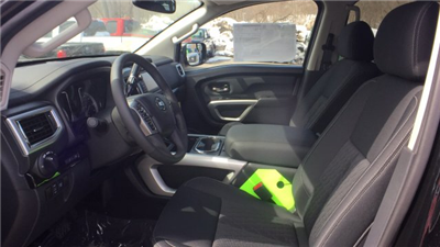 2018 Titan Crew Cab, Pickup #6180000 - photo 11