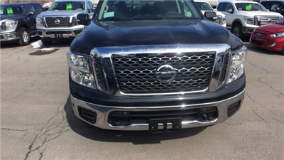 2018 Titan Crew Cab, Pickup #6180000 - photo 4