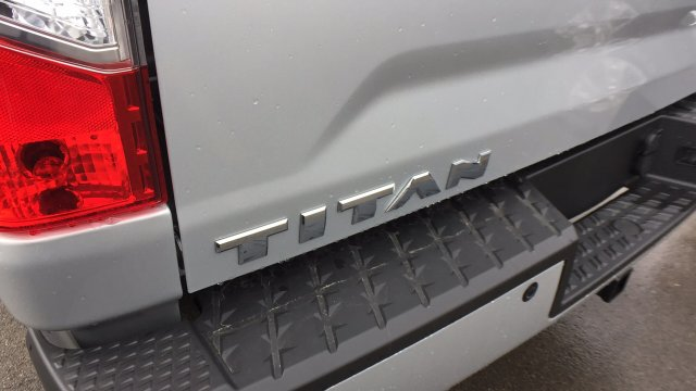 2018 Titan Crew Cab, Pickup #6180003 - photo 32