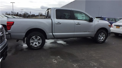 2018 Titan Crew Cab, Pickup #6180003 - photo 11