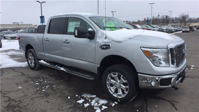2018 Titan Crew Cab, Pickup #6180008 - photo 5