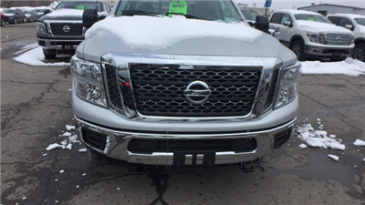 2018 Titan Crew Cab, Pickup #6180008 - photo 6