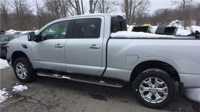 2018 Titan Crew Cab, Pickup #6180008 - photo 2