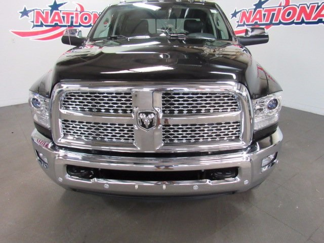 2017 Ram 3500 Crew Cab 4x4 Pickup #41550 - photo 4