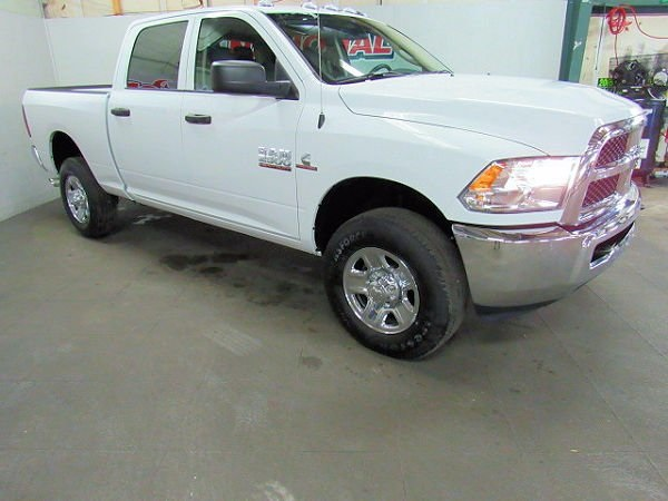 2018 Ram 2500 Crew Cab 4x4 Pickup #41836 - photo 3