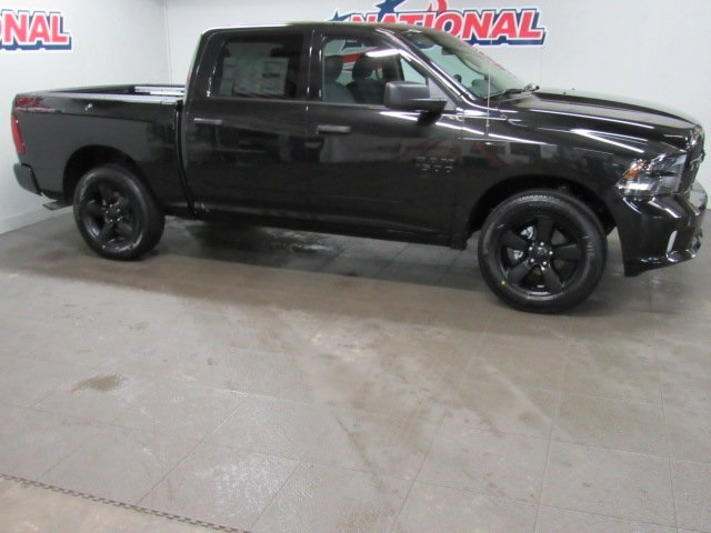 2018 Ram 1500 Crew Cab, Pickup #42088 - photo 3