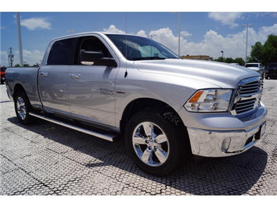 2017 Ram 1500 Crew Cab Pickup #D171287 - photo 3