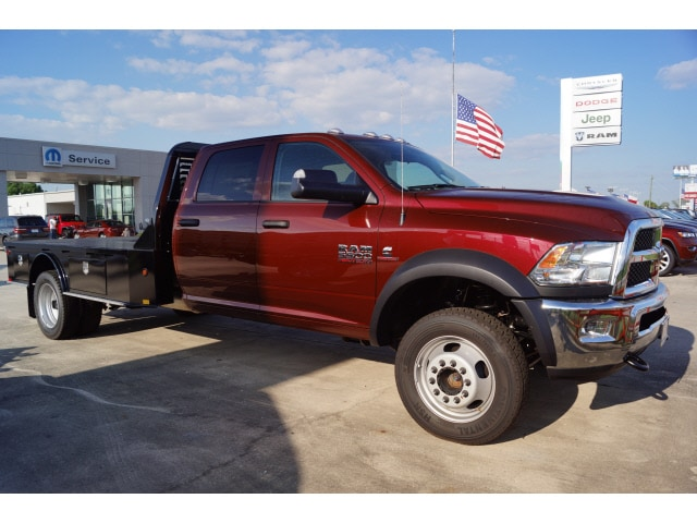 2017 Ram 5500 Crew Cab DRW 4x4, Bedrock Platform Body #D171633 - photo 3