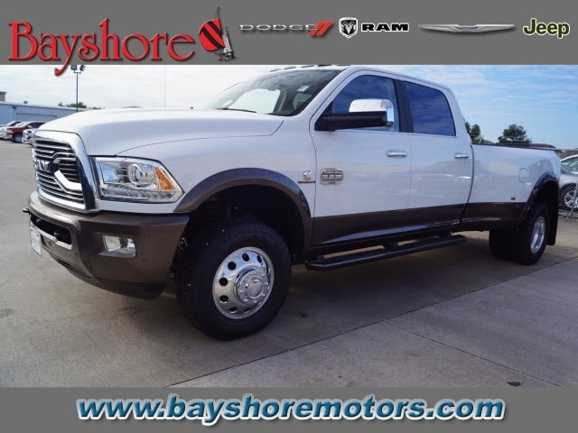 2017 Ram 3500 Crew Cab DRW 4x4 Pickup #D171694 - photo 1