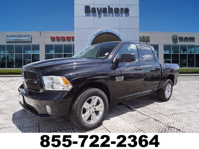 2018 Ram 1500 Crew Cab 4x2,  Pickup #D181314 - photo 1
