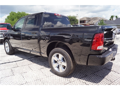 2018 Ram 1500 Crew Cab 4x2,  Pickup #D181314 - photo 2