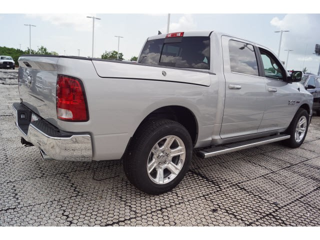 2018 Ram 1500 Crew Cab 4x2,  Pickup #D181315 - photo 3