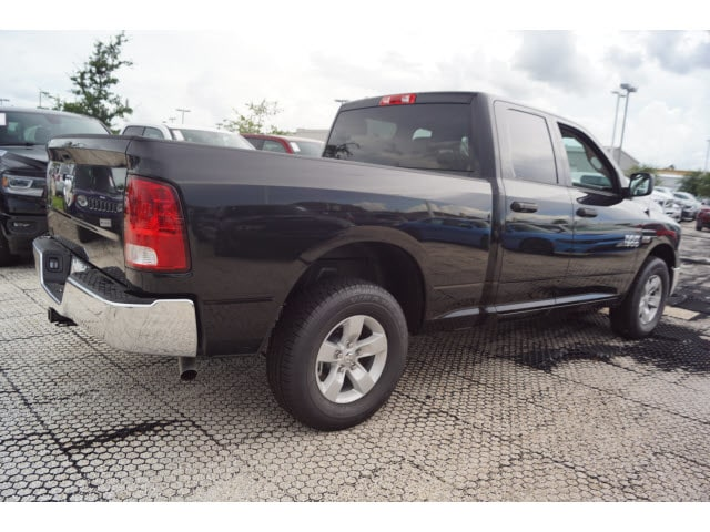 2018 Ram 1500 Quad Cab 4x2,  Pickup #D181448 - photo 3
