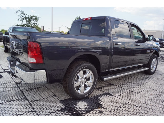 2018 Ram 1500 Crew Cab 4x2,  Pickup #D181685 - photo 3
