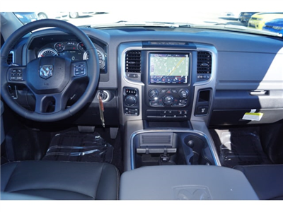 2018 Ram 1500 Crew Cab 4x4, Pickup #D18291 - photo 3