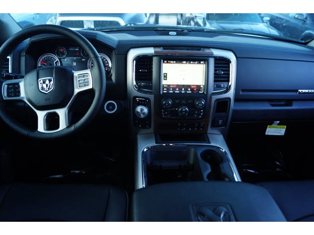 2018 Ram 1500 Crew Cab 4x4 Pickup #D18496 - photo 3