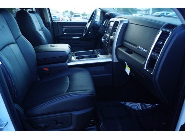 2018 Ram 1500 Crew Cab 4x4 Pickup #D18496 - photo 5