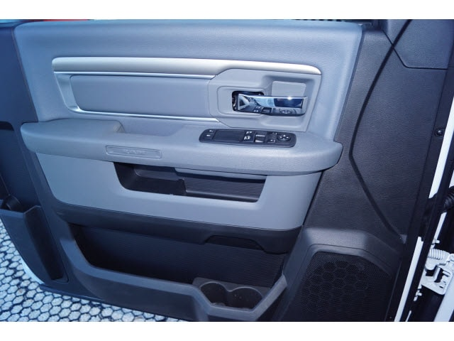 2018 Ram 1500 Regular Cab, Pickup #D18565 - photo 5