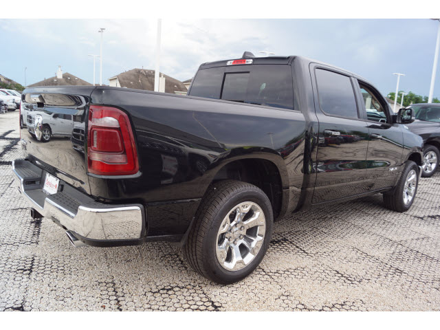 2019 Ram 1500 Crew Cab 4x2,  Pickup #D19172 - photo 3