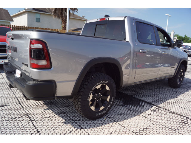 2019 Ram 1500 Crew Cab 4x4,  Pickup #D19192 - photo 3