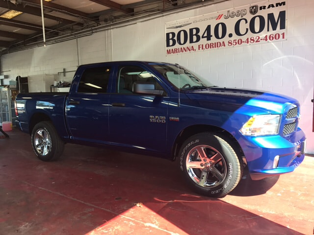 2018 Ram 1500 Crew Cab 4x4, Pickup #104239 - photo 15