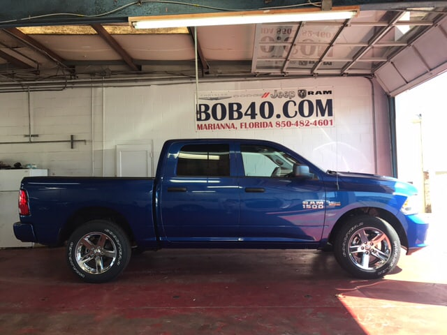 2018 Ram 1500 Crew Cab 4x4, Pickup #104239 - photo 16