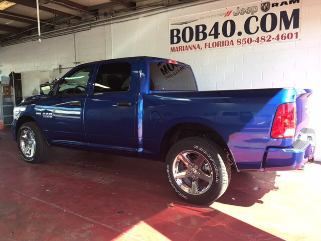2018 Ram 1500 Crew Cab 4x4, Pickup #104239 - photo 2