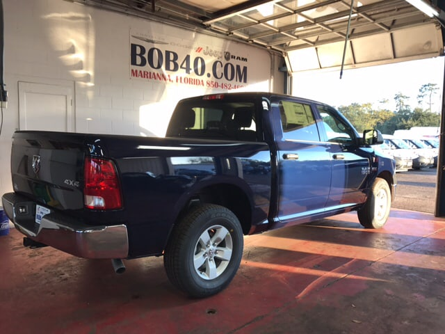 2018 Ram 1500 Crew Cab 4x4, Pickup #104253 - photo 16