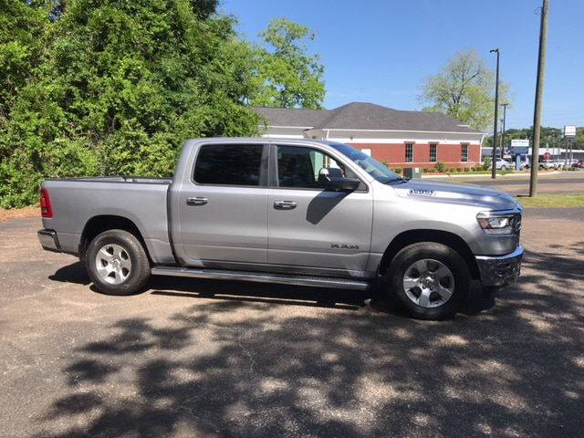2019 Ram 1500 Crew Cab 4x4, Pickup #104423 - photo 5