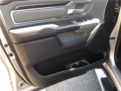 2019 Ram 1500 Crew Cab 4x4, Pickup #104423 - photo 12