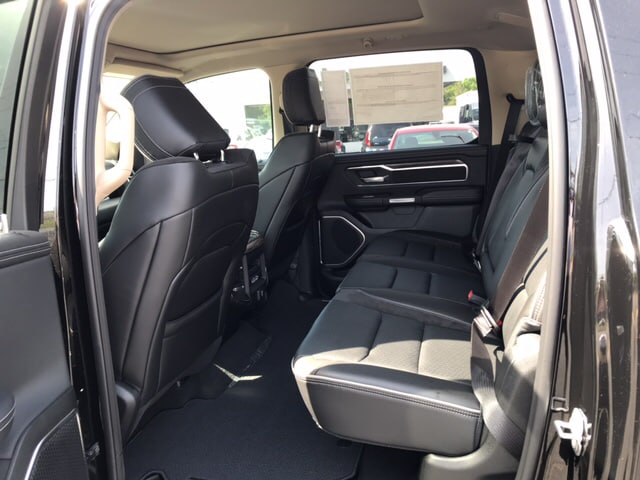 2019 Ram 1500 Crew Cab 4x4, Pickup #104439 - photo 10