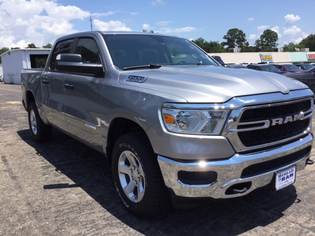 2019 Ram 1500 Crew Cab 4x4,  Pickup #104497 - photo 4
