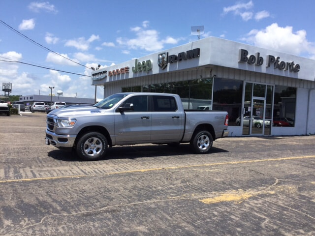 2019 Ram 1500 Crew Cab 4x4,  Pickup #104497 - photo 8