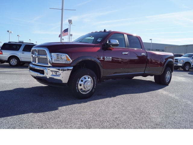 2017 Ram 3500 Crew Cab DRW 4x4, Pickup #770097 - photo 3