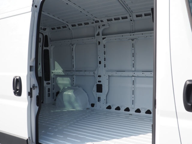 2017 ProMaster 1500 High Roof Cargo Van #77975 - photo 3