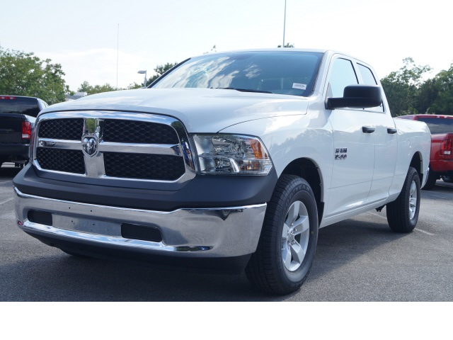 2018 Ram 1500 Quad Cab 4x2,  Pickup #780034 - photo 3