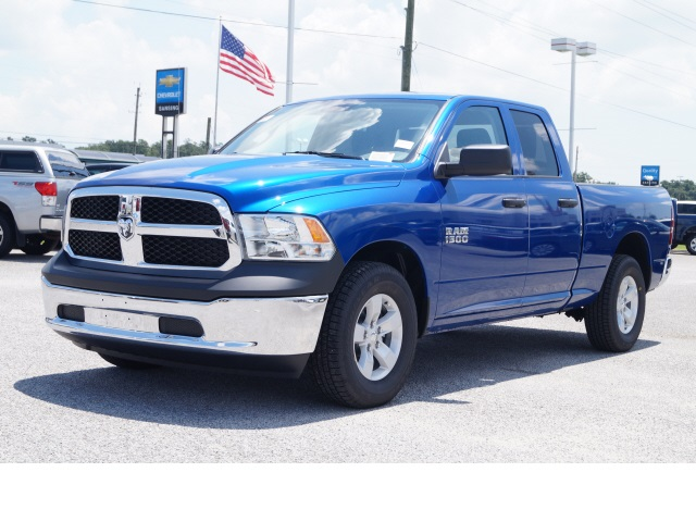 2018 Ram 1500 Quad Cab 4x2,  Pickup #780059 - photo 3