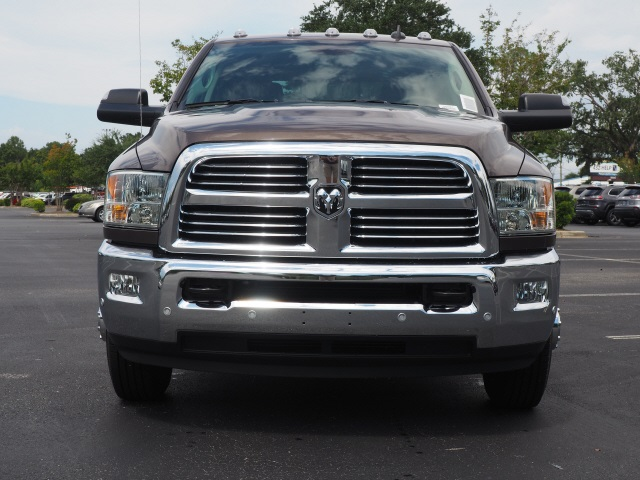 2018 Ram 3500 Crew Cab DRW 4x2,  Pickup #780287 - photo 3