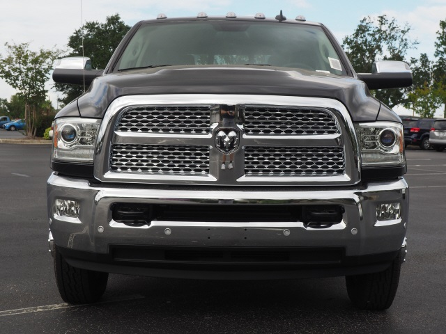 2018 Ram 3500 Crew Cab DRW 4x4,  Pickup #780325 - photo 4