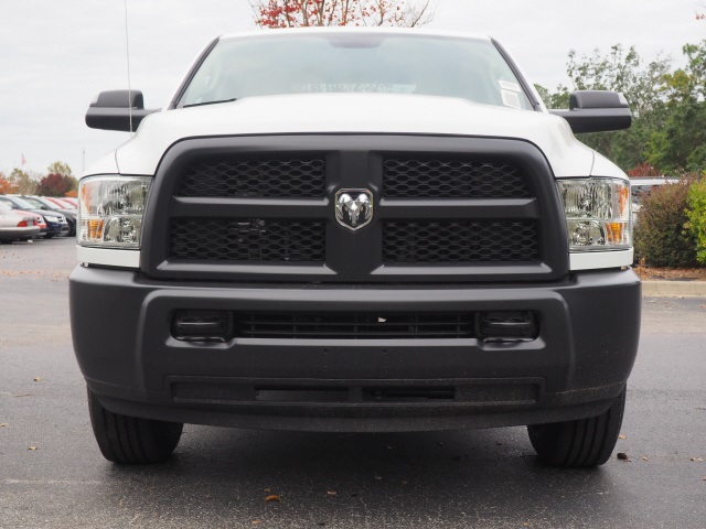 2018 Ram 3500 Crew Cab 4x2,  Pickup #780406 - photo 4