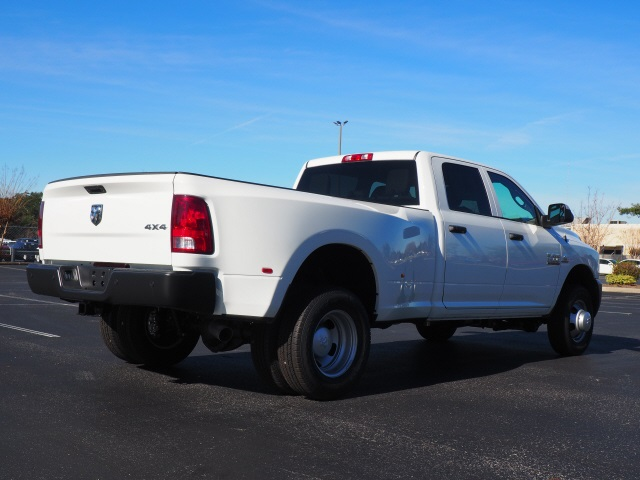 2018 Ram 3500 Crew Cab DRW 4x4,  Pickup #780527 - photo 2
