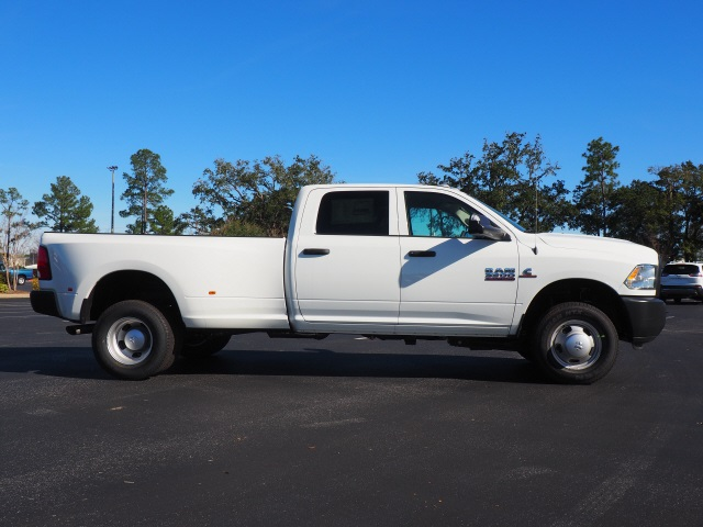 2018 Ram 3500 Crew Cab DRW 4x4,  Pickup #780527 - photo 4